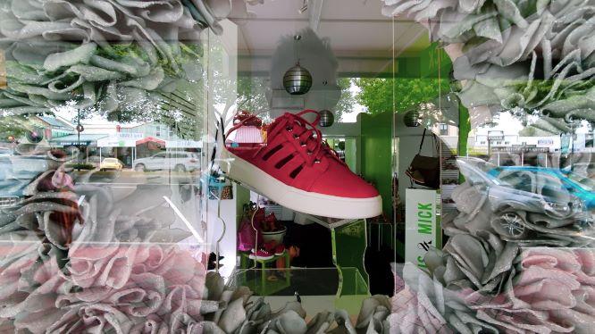 shoe shops in victoria centre