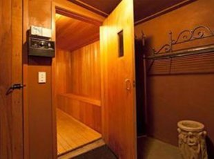 Steam Sauna room for up to six